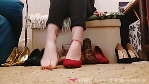 Vends-ta-culotte - French Stunner Foot Fetish - High Heels