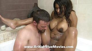 Kiki Minaj gets torn up in the bathroom