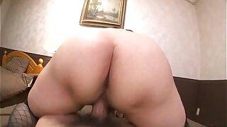Adorable Araki Hitomi is near orgasm in xxx display