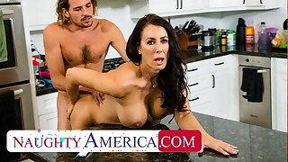 Naughty America - Molten Mom Reagan Foxx fucks and gargles