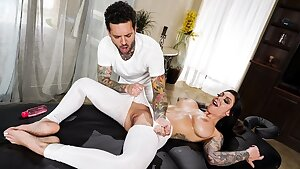 How To Fuck Your Masseur With Karma Rx - utter at ebrazz.tv