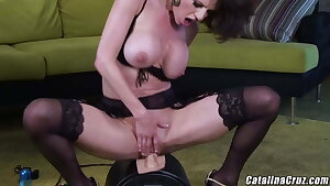 Veronica Avluv squirts vibrating pussy, dirty mummy loves to cum